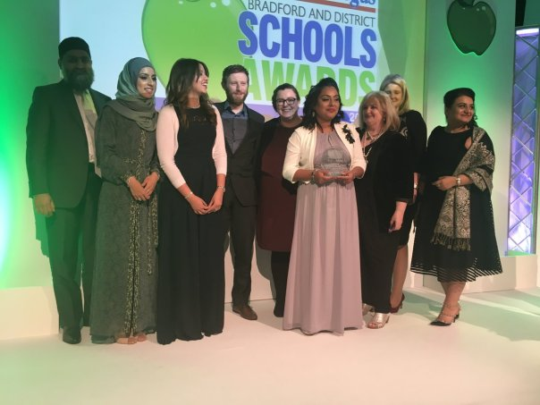 Horton Park Primary wins achievement award at #bfdschoolawards